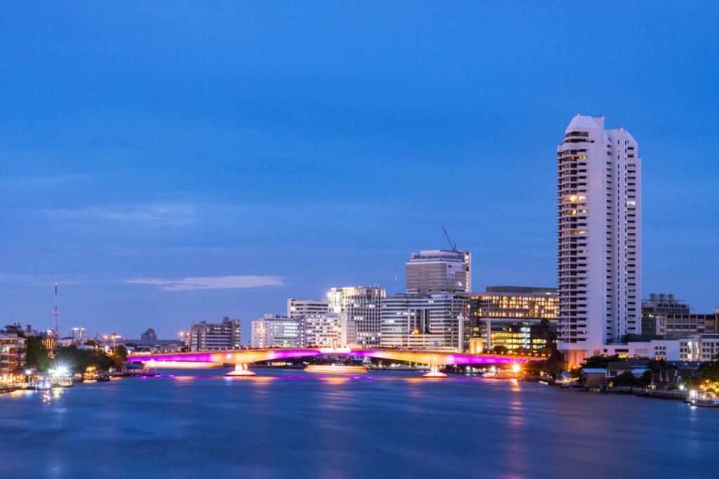 L'assurance maladie en Thaïlande couvre les frais élevés des hôpitaux des villes.